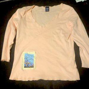 🌸 3/$10 Cute Gap Shirt